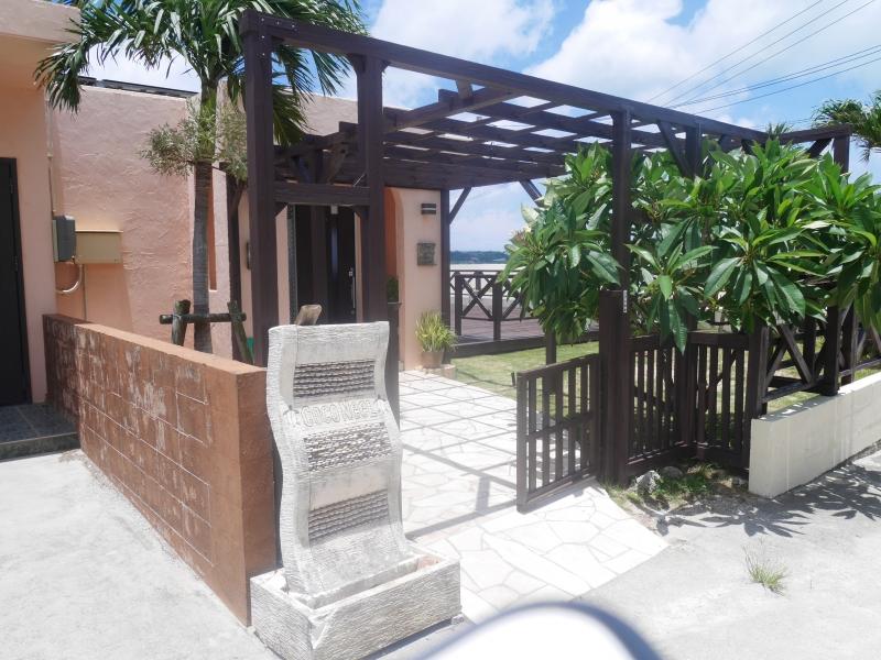 【沖縄本島北部】丘の上に佇む本格洋食屋さん「キッチンテラス ココニール」
