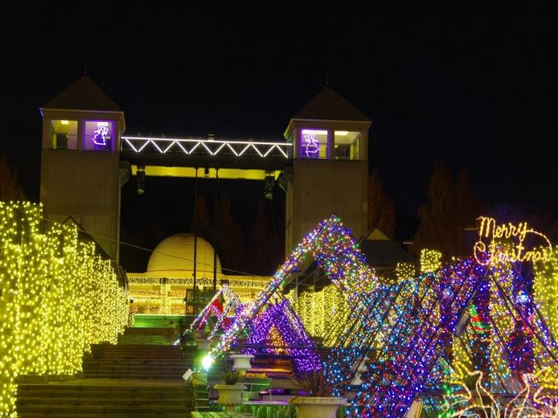 【群馬】ぐんまフラワーパーク「妖精たちの楽園」イルミネーション!夜景とのコラボも必見