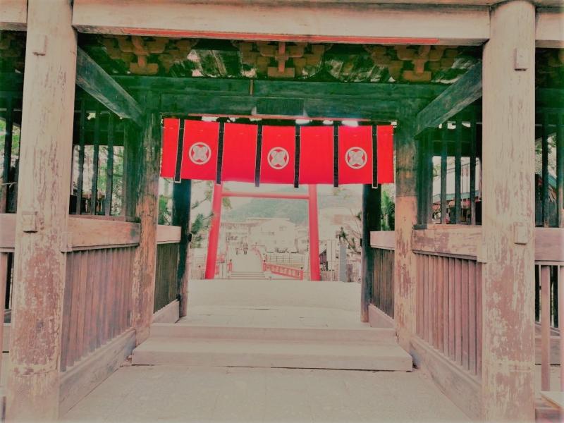 【わざわざ行きたい!青井阿蘇神社】五棟が茅葺きの建物で唯一の国宝指定、1200年の歴史を誇る熊本県人吉の神社へ
