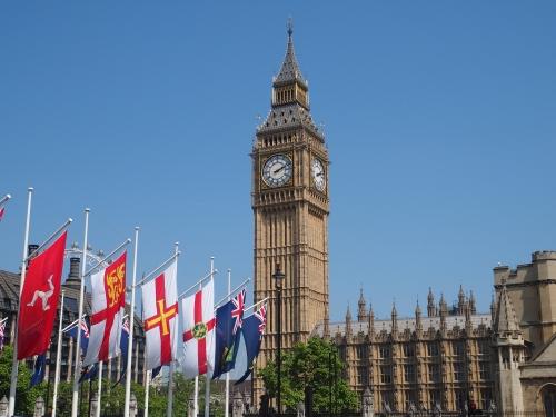 日本とイギリスの時差は「9時間」!イギリスへの飛行時間は?