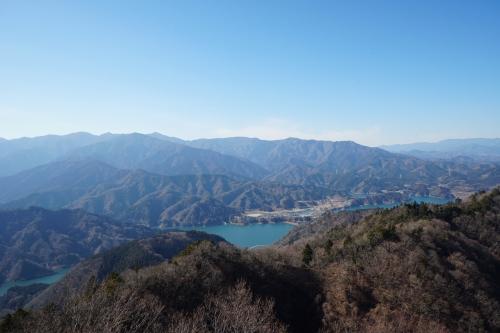 最高の展望がずっと続く山【神奈川・仏果山~高取山~宮ケ瀬湖】