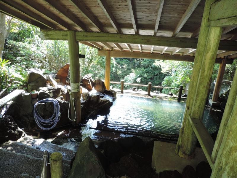 【八丈島】ゆったり温泉めぐり旅!