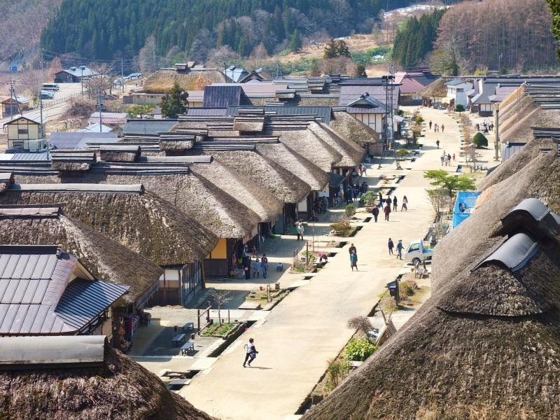 そこは、リアル江戸時代!「福島・大内宿」で宿場散策と高遠そばをワイルドに堪能!