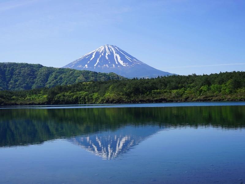 山梨の人気の湖沼TOP13!旅行好きが行っている湖沼ランキング