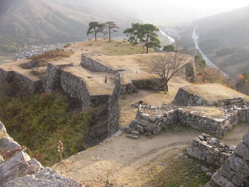 自然と歴史を感じる北近畿の小京都、但馬/「観る」「浸かる」「食べる」テーマ別ガイド
