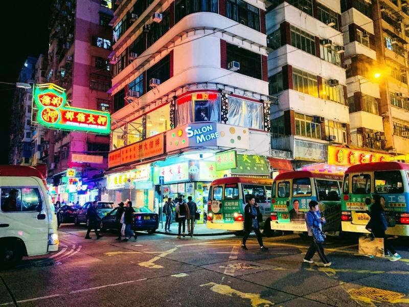 香港 観光 デモ