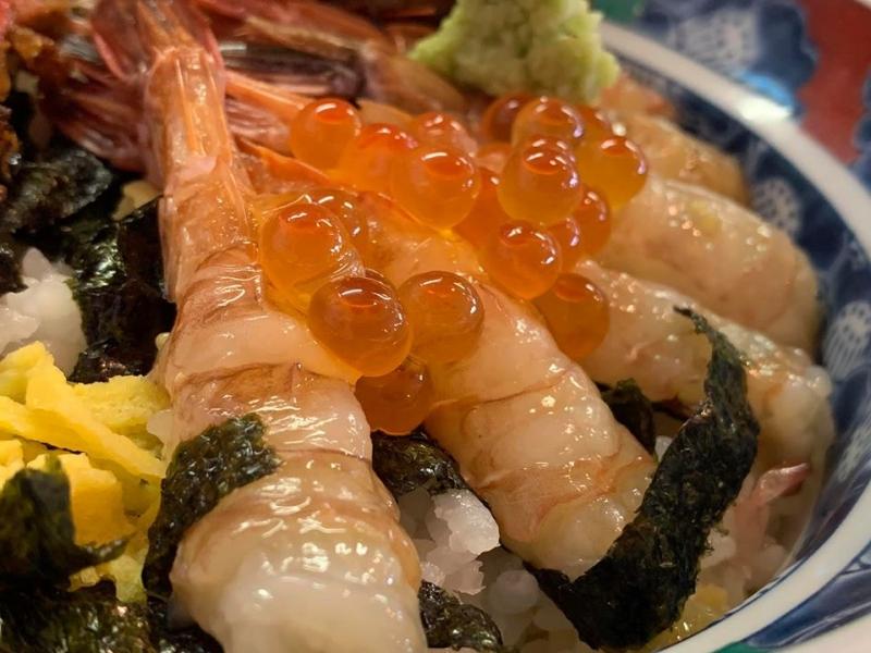 美味しいものが集まる「鳥取の台所」!【鳥取港海鮮市場かろいち】へ行こう!