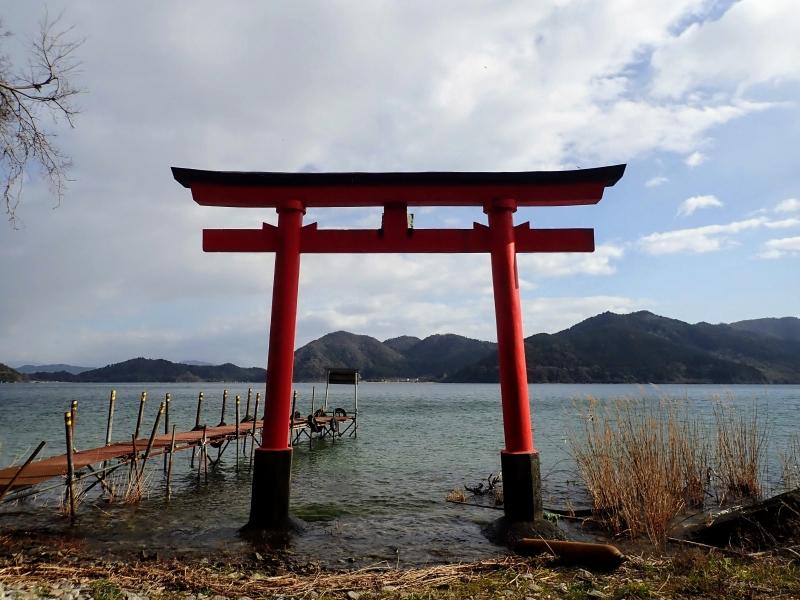 日本で唯一の湖上の有人島。滋賀県・沖島を散策