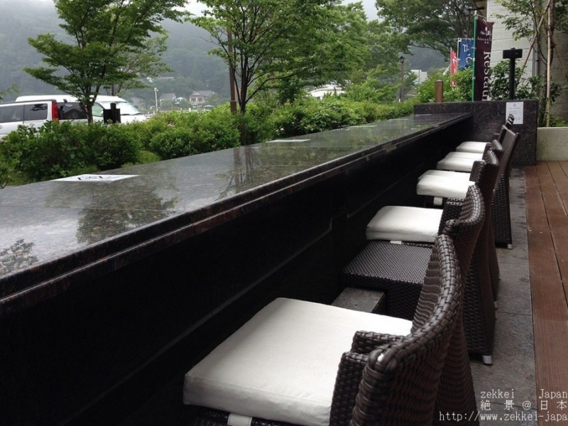 【Bakery&Table箱根】絶景!足湯で芦ノ湖を臨むベーカリー