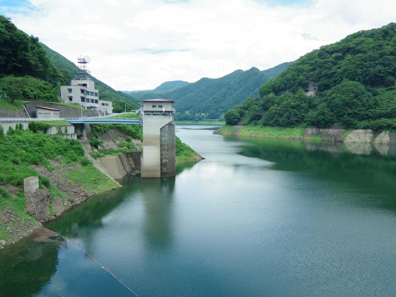 【群馬県】みなかみ町の自然に包まれたダムと道の駅「水紀行館」