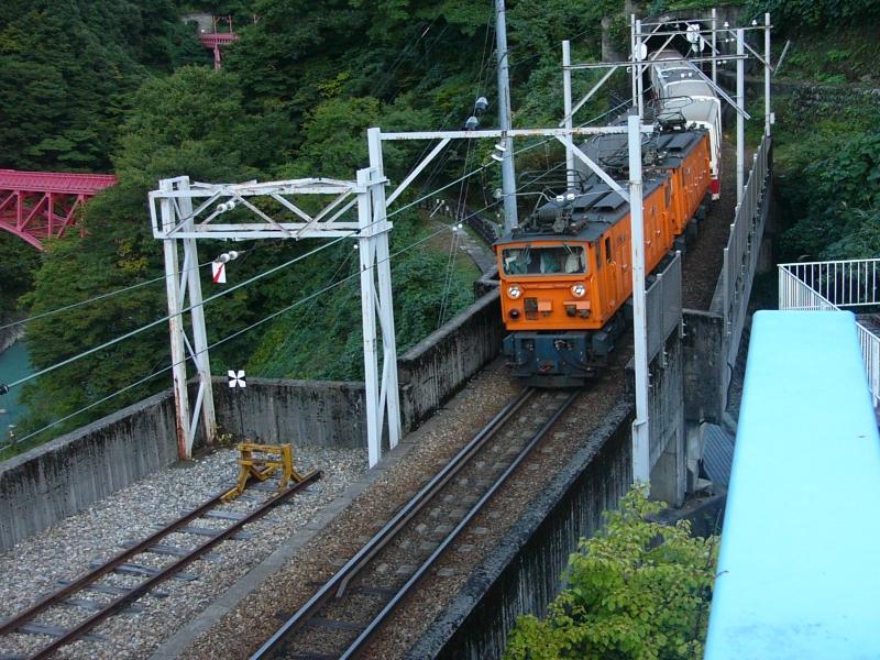 富山/黒部峡谷トロッコ電車で絶景を巡る旅に出かけよう