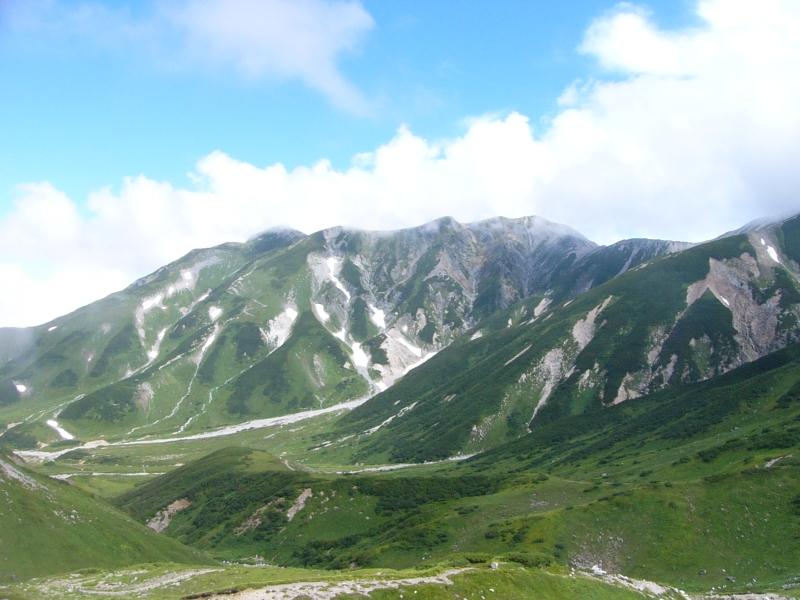 手付かずの自然が心揺さぶる!絶景の立山黒部アルペンルートを散策