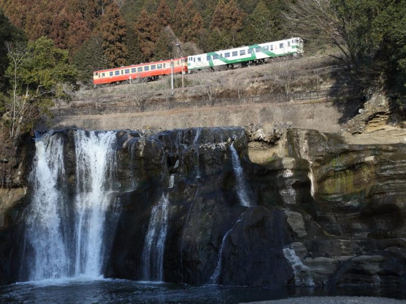 [栃木]烏山線でのんびりローカル線の旅はいかが?国内初の蓄電池駆動電車も登場!