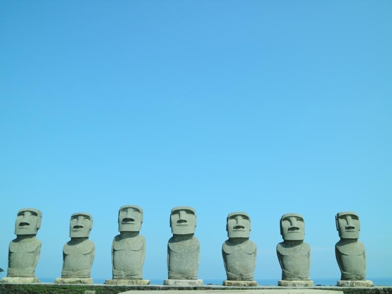 南国宮崎県サンメッセ日南にいる10体の「モアイ像」に会いに行こう