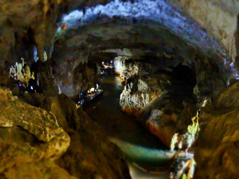 3億年かけて作られた神秘の洞窟、山口県・秋芳洞