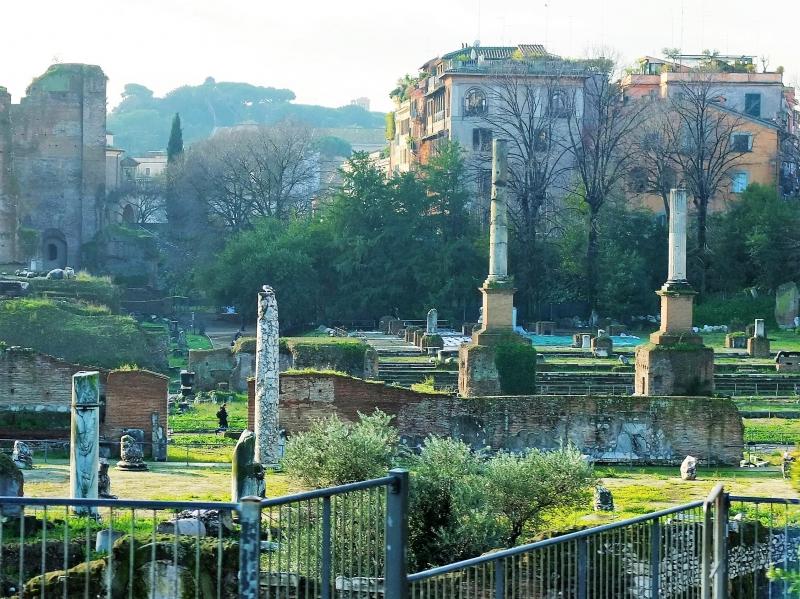 魅惑のローマの始まり・フォロ・ロマーノ