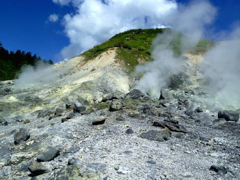 大地のパワーを感じよう!秋田・玉川温泉自然研究路を巡る旅