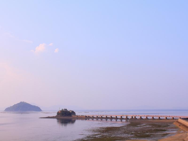 1年で2日だけ開く島に5万人の親子連れが押し寄せる!香川・津嶋神社