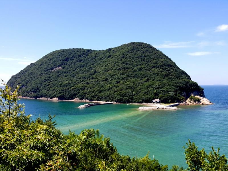 引き潮の道を渡り浦島太郎に会いに行く!香川に残る浦島伝説の地を巡る
