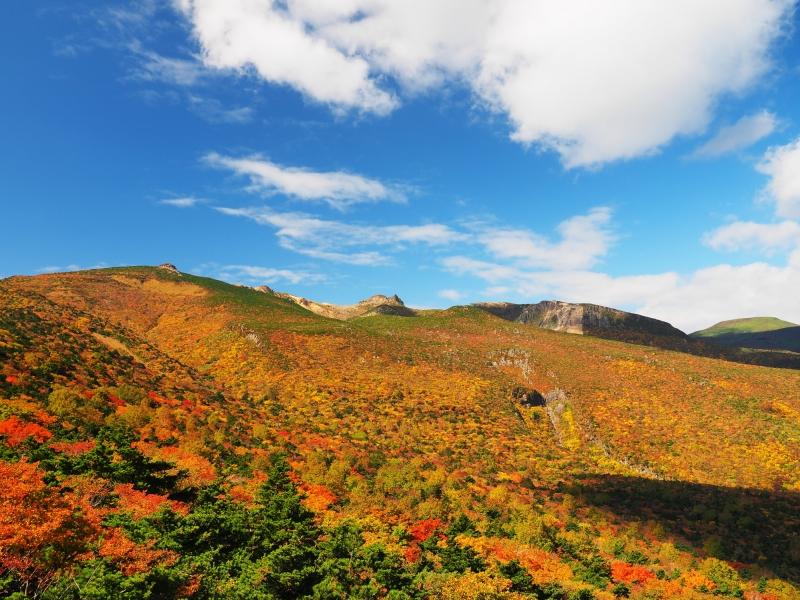 【福島】ロープウェイで行く!秋の安達太良山紅葉狩り&登山ツアー