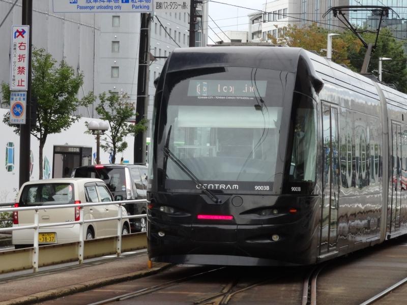 富山観光におすすめ!路面電車で散策できるスポット・お店10選