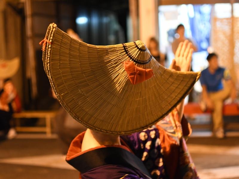 あやかしの世界感あふれる日本三大盆踊り【秋田・西馬音内盆踊り】