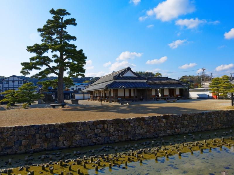 日本唯一の関所建物が残る浜名湖【新居関所】と町の古建築を巡る