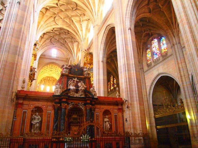 スペインのアルカサル城内部高画質画像です。