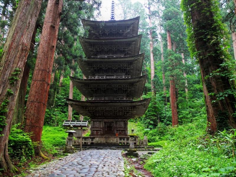 神々が宿る神秘の聖地【出羽三山】で生まれ変わる旅