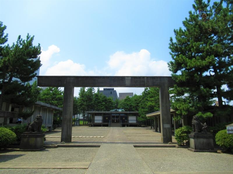 【福井】独特の建築様式、平屋根だらけの「福井神社」訪問のススメ