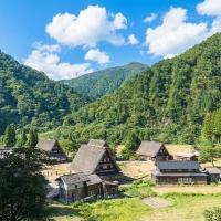 世界一のスタバ!富山環水公園店が人々を魅了する理由