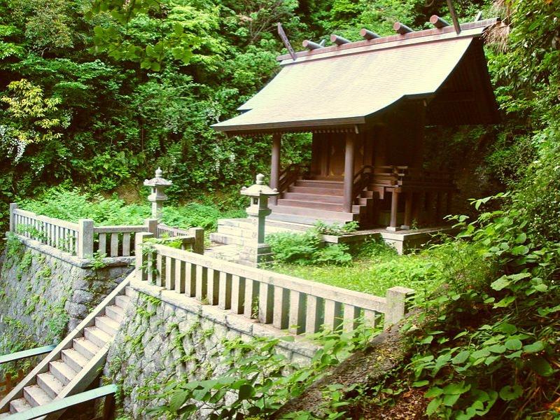 甘縄神明神社 [あまなわしんめい...