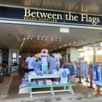 Between the flags/Campbell Parade店