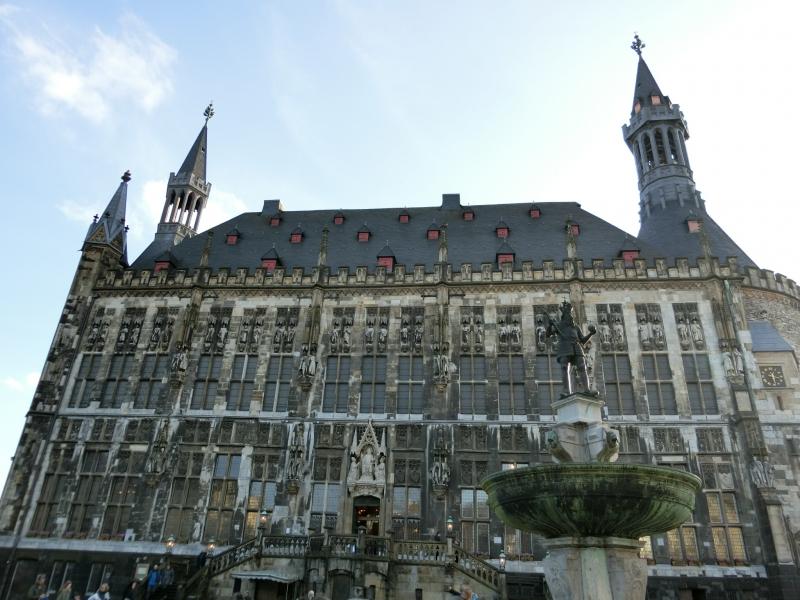 アーヘン市庁舎の写真(旧市庁舎...