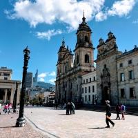 ボリバル広場 [Plaza de Bolívar...